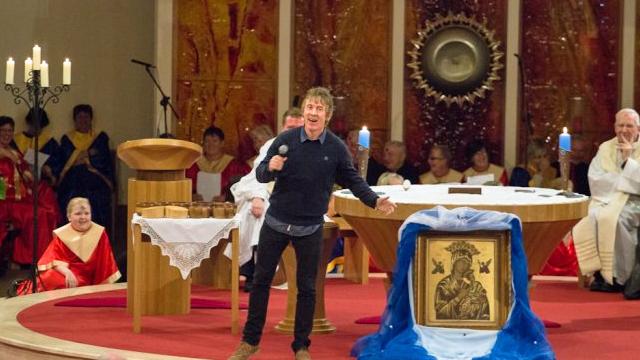 Portlaoise Parish Novena 2103 – Hector O'hEochagáin
