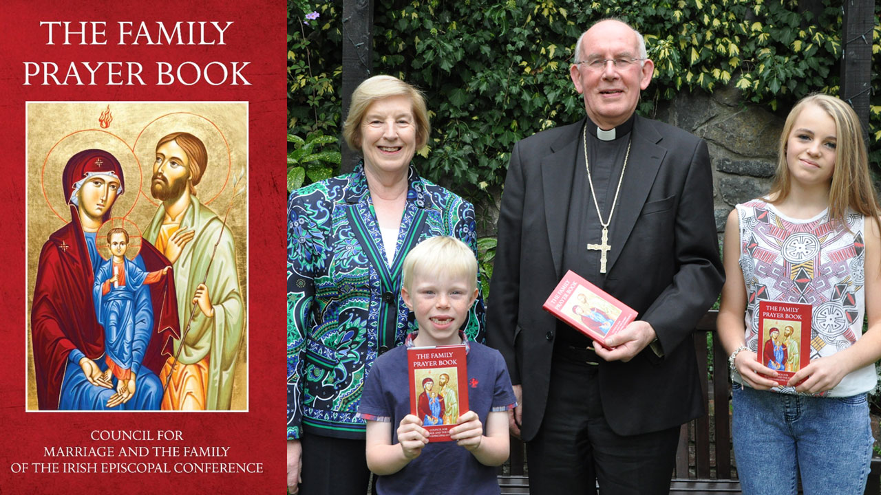 Family_Prayer_Book_iC